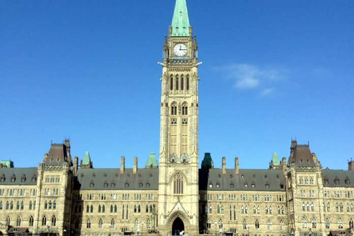Parlament, Ottawa, Canada; Photo © the Vancouver Shinpo