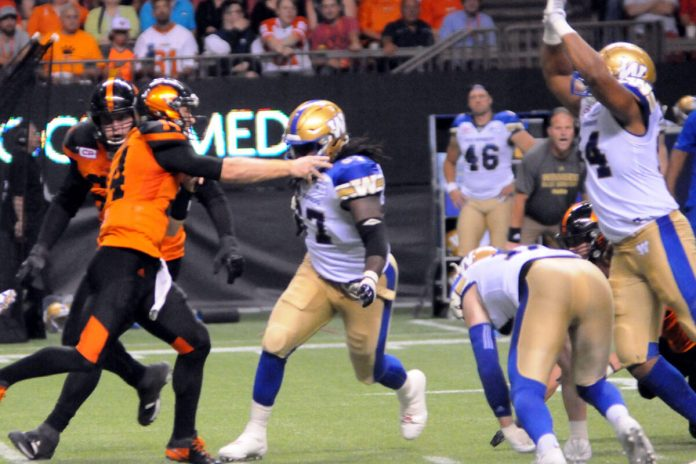 Winnipeg Bluebombers at BC Place, Vancouver, BC; Photo © the Vancouver Shinpo